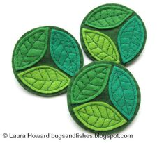 I'd make this into coasters. Simple to sew felt brooches for springtime! --- Bugs and Fishes by Lupin: How To: Felt Spring Leaves Brooch Fabric Brooch, Felt Brooch, Felt Fabric, Brooch Pin, Felt Fish, Felt Coasters, Felt Leaves, Felt Embroidery, Felt Patterns