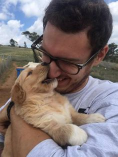 People meeting their doggos for the first time - Imgur