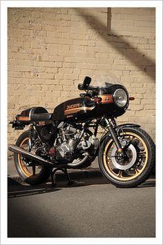 Ducati 900 ss Deus V-Twin Festival - Pipeburn - Purveyors of Classic Motorcycles, Cafe Racers & Custom motorbikes Ducati Cafe Racer, Cafe Racers, Inazuma Cafe Racer, Cafe Bike, Ducati 749, Ducati 900ss, Ducati Motorcycles, Vintage Motorcycles, Custom Motorcycles