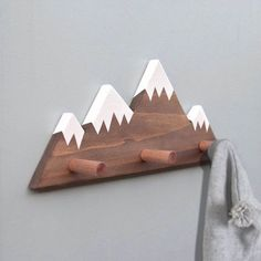 Mountain Peak Wallhooks Woodland Nursery Decor Rustic Wood Decor Mountain Wall Hook Wooden Wall Hook for Kids Baby Shower Gift Berggipfel Wallhooks Wald Kinderzimmer Dekor Wald-Dekor