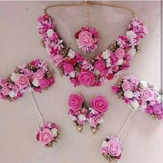 Hand made Beautiful floral jewellery full set for mehandi/haldi n any many more special occasions 😍 Can be customize in any color. We take bulk order for bridemaids as well . Indian Wedding Jewelry, Bridal Jewelry, Indian Bridal, Indian Jewelry, Flower Jewellery For Mehndi, Flower Jewelry, Bridal Chura, Flower Ornaments, Diy Ribbon