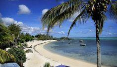 UTSIKT: I Roches Noires, på østkysten av Mauritius, fant vi villa med veranda og utsikt. Syr du sammen din egen ferie, finnes det leieboliger over hele øya i alle prisklasser. Foto: SØLVI W. NORMANNSEN