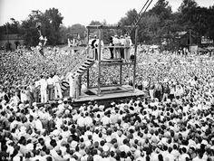 End of an era: In this 1936 file photo, the last public execution in the U.S. is shown, gathering a massive crowd in Owensboro, Kentucky.