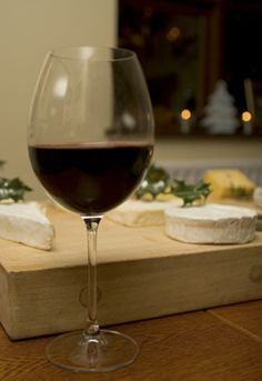 Red Wine & Cheese Pairing | Brie & Pinot Noir