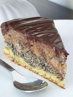... u nás frčia dnes riekanky a hneď jedna aj k téme .... Babka, babka, babička, strúha v miske jabĺčka. Jabĺčiek je až, až, a... Y Recipe, Poppy Cake, Oreo Cupcakes, 3d Cakes, Food Dishes, Sweet Recipes, Sweet Tooth, Sweet Treats, Food And Drink