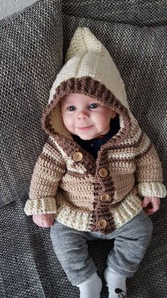Baby jacket with hood size Source by angelikavollrath Crochet Baby Sweater Pattern, Crochet Baby Sweaters, Baby Sweater Patterns, Crochet Baby Clothes, Baby Knitting Patterns, Vestidos Bebe Crochet, Crochet For Boys, Boys Sweaters, Baby Cardigan