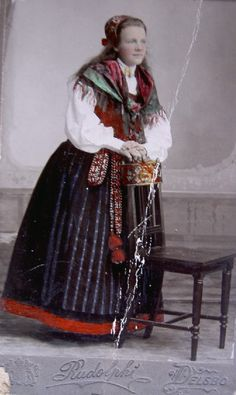 Unknown woman in Delsbo dress, Hälsingland