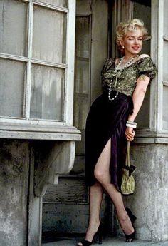 Accióninteligente (@pilotourbano)   Twitter Marilyn Monroe Old, Marlene Dietrich, Classic Hollywood, Old Hollywood, Movie Stars, Divas, Classic Beauty, Classic Fashion, Milton Greene