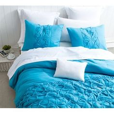 Peacock Blue is totally IN! Add some to your bedroom with the BYB Peacock Cadence Textured Quilt! A with textured features for unique Ruffle Quilt, Ruffle Bedding, Linen Bedding, Bed Linens, Dorm Bedding, Single Quilt, Contemporary Quilts, Quilt Sizes, Comforter Sets