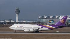 Boeing 747-400 Jumbo der Thai startet am Flughafen München