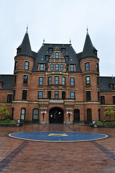 "Stadium High School - Tacoma, Washington - ""10 Things I Hate About You"" was filmed here."