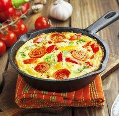 Omelett mit Tomaten, Paprika und Mozzarella