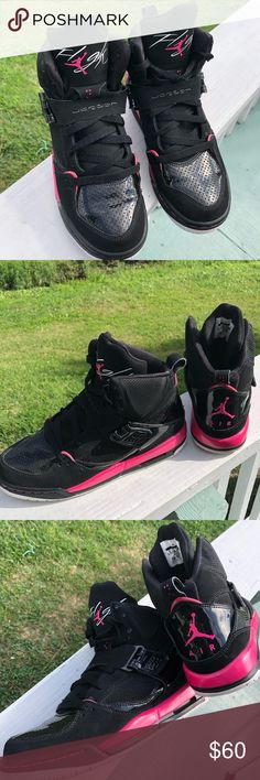 9c3d1c8c531 Air Jordan Flight Shoe s Youth Size 6Y Black and Pink with shiny sparkle.  Air Jordan