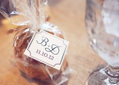 Caramel Apples as your wedding favors