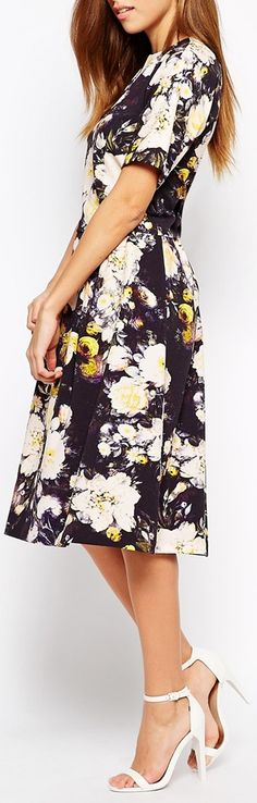 such a pretty print and color....love the length!