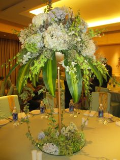 Wedding table flower arrangement #wedding #flowers