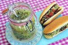 Kurkkusalaatti sopii grillilihan ja makkaran lisukkeeksi. Guacamole, Mexican, Ethnic Recipes, Food, Drinks, Drinking, Beverages, Essen, Drink