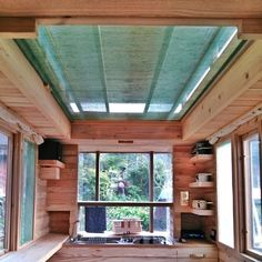 japan tiny house 0010 Man in Japan Builds Micro DIY Tiny House on Wheels--Photo of the pop up roof. Best Tiny House, Micro House, Tiny House On Wheels, Small House Plans, Japanese Style Tiny House, Tiny House Living, Tiny House Design, Architecture, Caravan