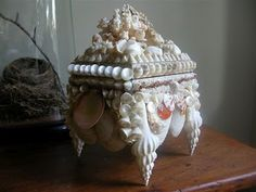 Seashell trinket box with legs