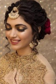 Finding out a perfect hairstyle for you look. bridal hairstyles bridal hairstyles for long hair bridal hairstyles for short hair south Indian bridal hairstyles bridal hairstyles pictures Indian Bun Hairstyles, Saree Hairstyles, Open Hairstyles, Bun Hairstyles For Long Hair, Bride Hairstyles, Medium Hairstyles, Short Hair, Updo Hairstyle, Celebrity Hairstyles