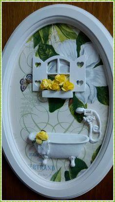 Quadro Oval Banheiro Chic