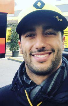 Ricciardo F1, Daniel Ricciardo, Honey Badger, Wallpaper Ideas, Formula One, Random Thoughts, Oc, Sport, Inspiration