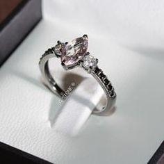 Para morrer de amores. Esse anel em banho de ródio negro fica um arraso!