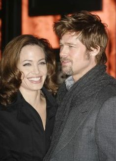 Angelina Jolie und Eva Longoria wollen ein Baby - Promi-Schwangerschaften und Geburten - Brad Pitt und die schöne Angelina Jolie wünschen sich eine riesige Familie und unermesslich viele Bambinis. Wie vor kurzem bekannt wurde erwartet die Schauspielerin diesmal...