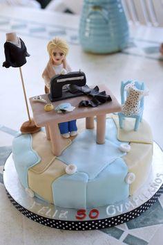 Máquina de coser de fondant. Tarta costurera de fondant. Dressmaker fondant cake. Traje de flamenca de fondant.