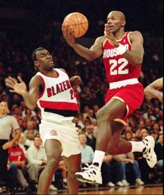 <center><big><big><b>The Glide comes… Houston Basketball, Basketball Skills, Basketball Players, Clyde Drexler, Hakeem Olajuwon, Power Forward, Nba Championships, Basketball Pictures, Sport Icon