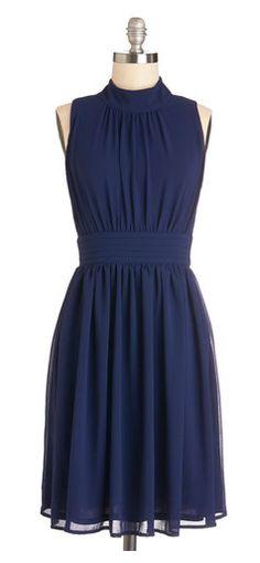 Tengo una especie de debilidad por los vestidos de este color.