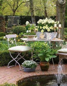 Small Cottage Garden Ideas, Small Garden Design, Home And Garden, Back Gardens, Water Gardens, Outdoor Furniture Sets, Outdoor Decor, Garden Table, Shades Of White