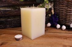 Κεριά μασίφ τετράγωνα σε χρώμα εκρού ΤΧ0915ΧΕΚ. Πλευρά: 9εκ. Ύψος: 15εκ. Pillar Candles, Taper Candles