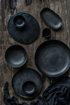 Black crockery by KEMA Food Culture for Stocksy United – Tableware Design 2020 Ceramic Tableware, Ceramic Pottery, Ceramic Art, Kitchenware, 2018 Interior Trends, Cerámica Ideas, Wooden Background, Teller, Wabi Sabi