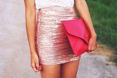 Falda corta con estilo de corrugado