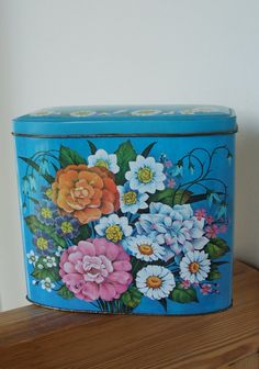 blue floral tin