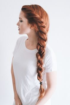This is how brittle hair becomes silk! Home remedies for soft hair. - Home remedies for soft hair – long healthy hair Informations About So wird sprödes Haar zu Seide! Brittle Hair, Soft Hair, Thick Hair, Long Red Hair, Pretty Hairstyles, Hairstyle Ideas, Side Braid Hairstyles, Spring Hairstyles, Popular Hairstyles
