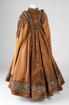 Velvet and Lace Child's Formal Gown, 1600  Found in the tomb of Countess Katharina zur Lippe, who died at age 6, May 19, 1600.