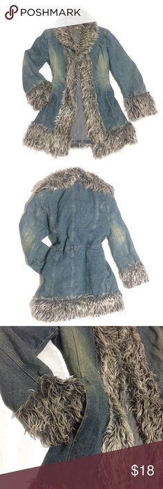 DENIM COAT WITH FAUX FUR Coat with lapel collar with faux fur textured trim. Features long sleeve with faux fur textured trims on cuffs and front pockets.  Fastens in the front with hooks. Jackets & Coats Jean Jackets
