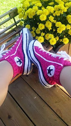Ravelry: Reaverse socks converse slippers tennis ( english ) pattern by Rea Jarvenpaa.. I sooo NEED these!!xx