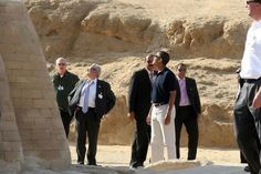 US President Barack Obama visited the Giza pyramids complex on June 4, 2009 in Cairo, Egypt. Earlier, Obama gave a key Middle East policy speech seeking to bridge the gaps between the US and the Muslim world.