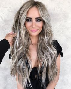 45 Shades of Grey: Silver and White Highlights for Eternal Youth Ash Grey Hair, Grey Blonde Hair, Grey White Hair, Balayage Hair Blonde, Light Brown Hair, Bronde Hair, Grey Hair Tones, Honey Balayage, Light Blonde