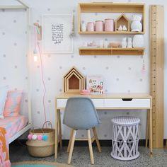 Sieh dir dieses Instagram-Foto von @rawsunshinecoast an • Gefällt 209 Mal Kid Spaces, Desk For Kids Room, Desks For Girls, Girls Room Desk, Desk Ideas For Teen Girls, Kids Rooms, Kid Desk, Toddler Rooms, Girls Bedroom