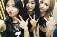 TEAM TWICE Nayeon Tzuyu & Mina