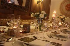 Kerzenschein, Winterfrühlingshochzeit in den Bergen im März, Berghochzeit im Riessersee Hotel Garmisch-Partenkirchen, Bayern, Wedding in Bavaria, March, spring, winter mountain wedding