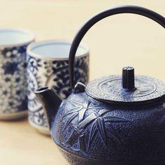 BLOG : embarquons pour le pays du Soleil-Levant, afin de découvrir tous les secrets des services à thé japonais traditionnels #thesdelapagode #japon #théière #teapot #tealover