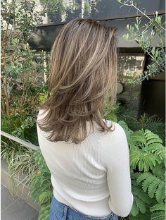 Hairstyles With Bangs, Pretty Hairstyles, Hair Inspo, Hair Inspiration, Color Rubio, Mid Length Hair, Hair Transformation, Hair Dos, Ombre Hair