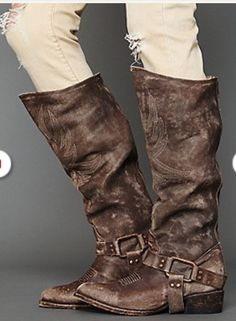 I so want some free bird boots! Freebird by Steven Phoenix Boot at Free People Clothing Boutique.I would love for these to come into my life :) Cowgirl Boots, Riding Boots, Botas Boho, Bootie Boots, Shoe Boots, Hipster Shoes, Free People, Buckle Boots, Tall Boots