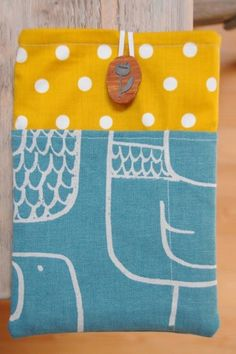 A Simple Kindle Fire Slip Case Tutorial using fat quarters and flannel
