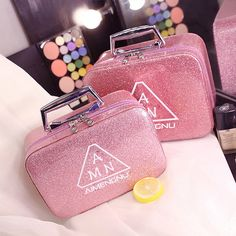 Cheap cosmetic bag, Buy Quality cosmetic bag designer directly from China designer cosmetic bag Suppliers: 2017 New Design Women Large Capacity Luxury Cosmetic Bag Fashion Professional Makeup Bag Travel Makeup Case Portable Storage Bag Makeup Box, Eye Makeup Tips, Makeup Storage, Makeup Case, Party Makeup, Bag Storage, All Natural Makeup, Simple Makeup, Professional Makeup Bag